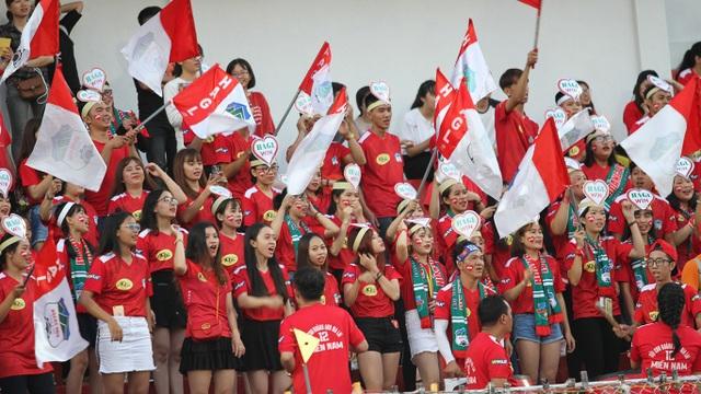 Có ít nhất 2 trận đấu từ đầu mùa, sân Thống Nhất đón hơn 1 vạn khán giả dự khán (ảnh: Trọng Vũ)