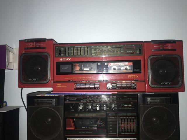 Người đi buôn kỷ niệm, 27 năm gắn bó với đài cassette - 2