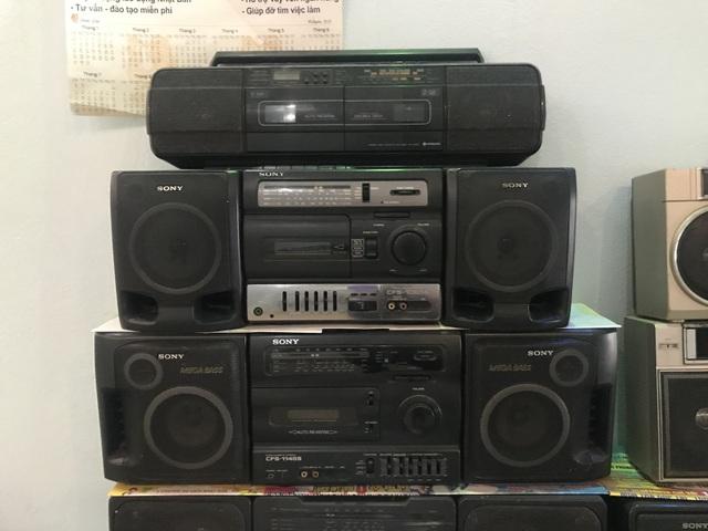 Người đi buôn kỷ niệm, 27 năm gắn bó với đài cassette - 6