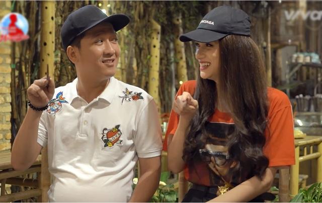 Trong đoạn trailer ngắn chia sẻ cho thấy Trường Giang và Hương Giang cũng khá hợp gu, cả hai có những câu trò chuyện, tung hứng hài hước và thoải mái.