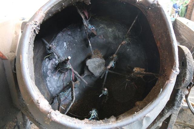 Nước pha bột pin và máy trộn để phục vụ việc sản xuất