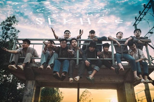 """Ảnh kỷ yếu """"trở về tuổi thơ"""" đầy cảm xúc của học sinh Ninh Bình - 9"""