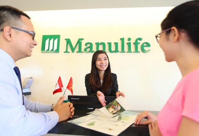 """Với chiến lược """"Khách hàng là trọng tâm"""", Manulife Việt Nam liên tục đầu tư mạnh mẽ vào chất lượng và dịch vụ để nâng cao trải nghiệm của khách hàng."""
