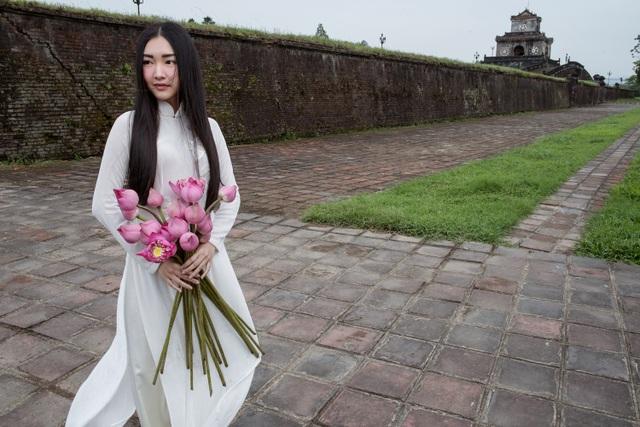 Ngẩn ngơ ngắm vẻ đẹp đẹp gây thương nhớ của nàng thơ xứ Huế - 13