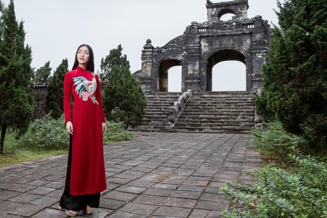 """Suốt thời gian qua, ngoài việc tham gia các sự kiện quảng bá văn hoá, chương trình truyền hình về du lịch với vai trò MC, Ngọc Trân còn tích cực hoạt động trong các dự án mới lạ như chương trình """"Nàng thơ xứ Huế"""" hợp tác Việt - Hàn."""
