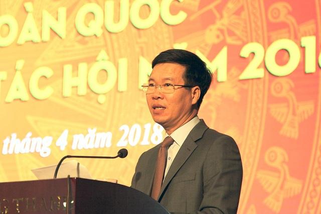 Ông Võ Văn Thưởng - Ủy viên Bộ Chính trị, Bí thư Trung ương Đảng, Trưởng ban Tuyên giáo Trung ương phát biểu tại Hội nghị toàn quốc triển khai công tác Hội của Hội Nhà báo Việt Nam năm 2018.