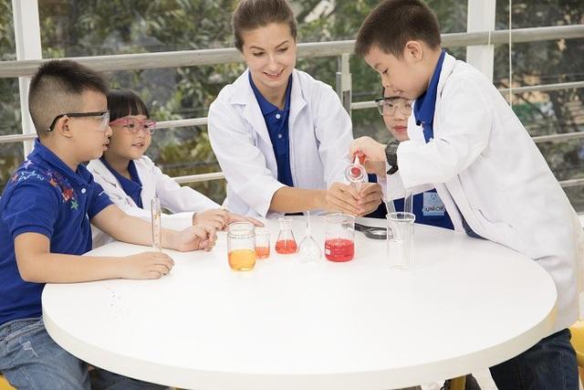 Science (Khoa học) - Một dự án trong chủ đề STEAM rất được các học viên yêu thích.