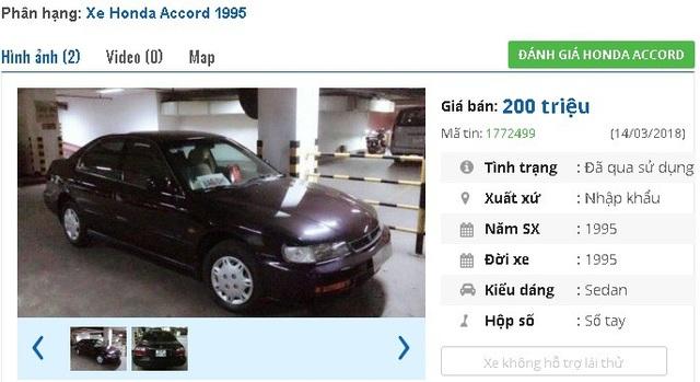 Chiếc Honda Accord năm sản xuất 1995, nhập khẩu màu khá đẹp này đang được rao bán giá 200 triệu dồng. Xe hộp số tay, được trang bị nệm da, máy lạnh, nội thất ốp vân gỗ, tay lái bọc da, gương chỉnh điện, 2 túi khí, màn hình DVD…