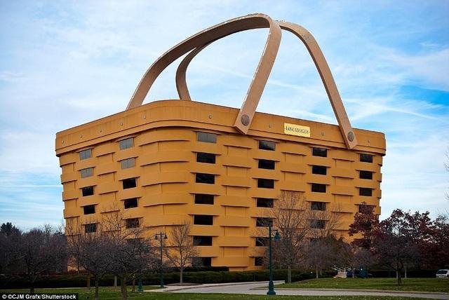 Tòa nhà hình chiếc giỏ độc đáo ở Newark, Ohio, Mỹ. Công trình là sự sáng tạo của công ty Longaberger Longaberger Longaber, xây dựng năm 1997 với tổng số vốn đầu tư 32 triệu USD.