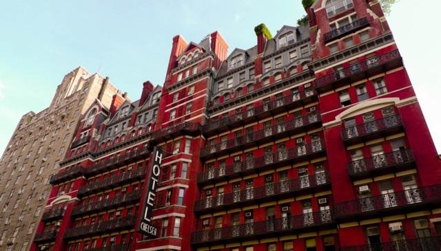 Khách sạn Chelsea là công trình cao nhất thành phố New York vào thời điểm nó bắt đầu đi vào hoạt động.