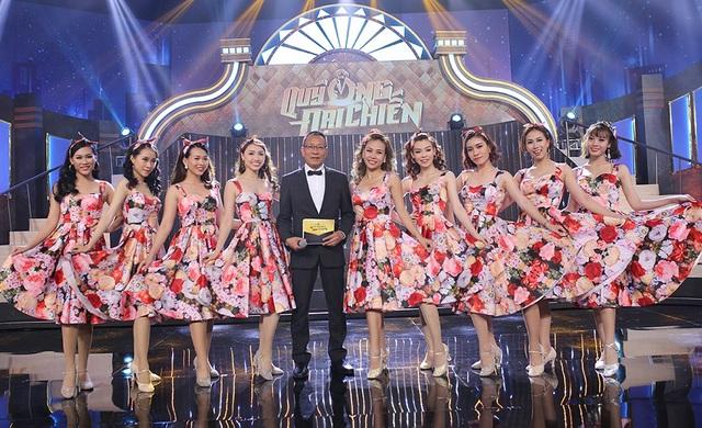 """""""Chủ xị"""" Lại Văn Sâm không chỉ điều khiển chương trình, nam MC còn là một """"bố già"""" đầy kinh nghiệm để các nghệ sĩ nữ và 200 cô gái xin ý kiến lẫn """"mưu lược"""" nhằm tìm hiểu đàn ông."""