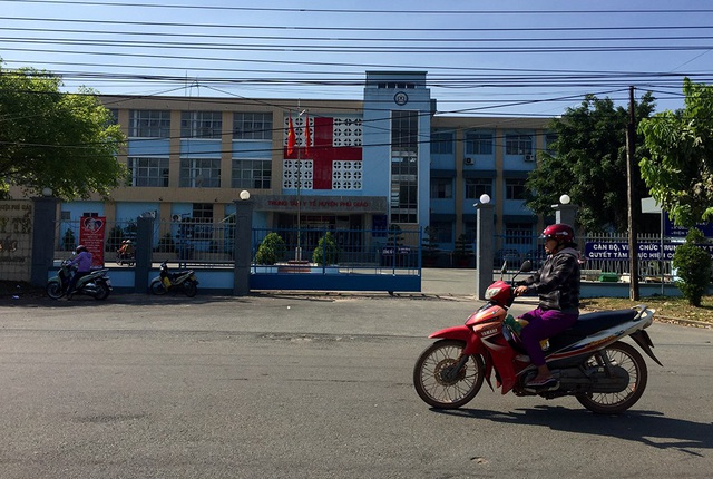 Trung tâm Y tế huyện Phú Giáo, tỉnh Bình Dương, nơi cháu Chinh bị chuyển viện trong lúc đang co giật.