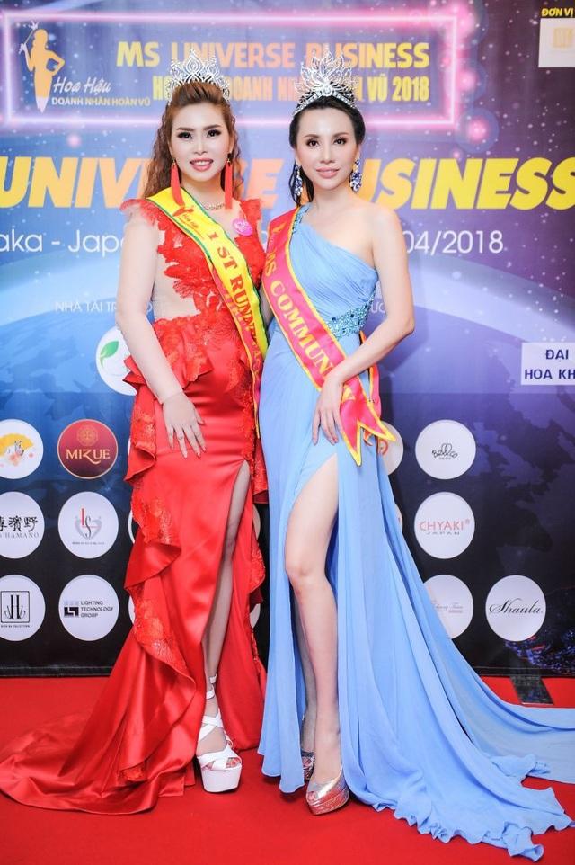 Tân Á hậu cùng Tân Hoa hậu Doanh nhân Hoàn vũ 2018 Châu Ngọc Bích.