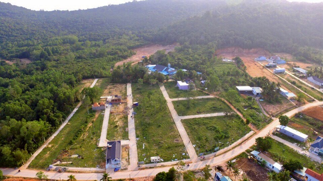 Sai phạm nhiều nhưng xử lý thiếu kiên quyết của các ngành chức năng khiến lĩnh vực xây dựng ở Phú Quốc ngày càng phức tạp, mất kiểm soát.