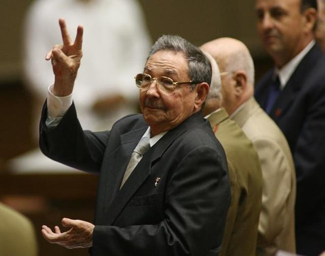 Ông Raul đã tiếp tục dẫn dắt đất nước Cuba đi theo đường lối của Lãnh tụ Fidel nhưng theo hướng cởi mở hơn.
