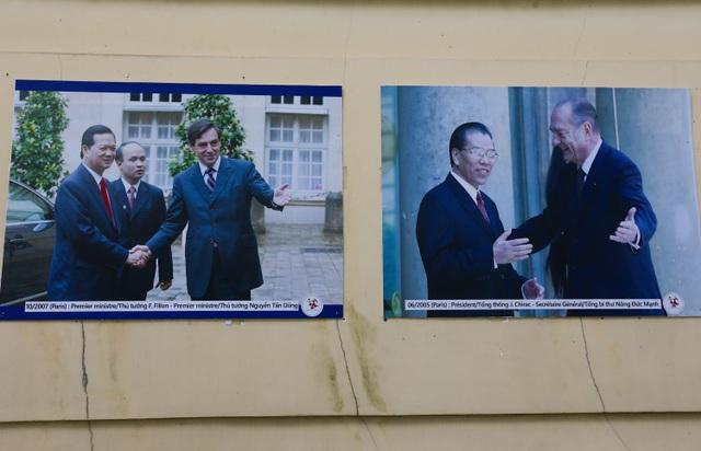 Những hình ảnh chuyến thăm Pháp của nguyên Thủ tướng Nguyễn Tấn Dũng và nguyên Tổng Bí thư Nông Đức Mạnh.