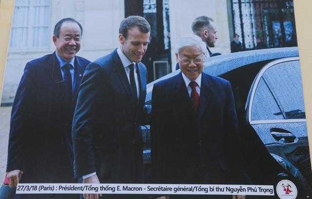 Tổng lãnh sự Pháp đích thân giới thiệu triển lãm 45 năm quan hệ Việt - Pháp - 2