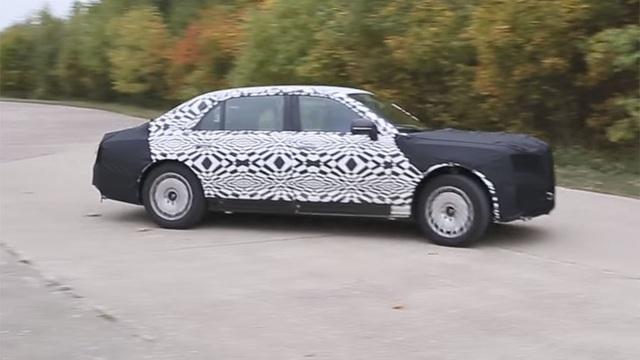 Mẫu xe chạy thử nghiệm được cho là siêu xe chở Tổng thống Putin (Ảnh: RT)