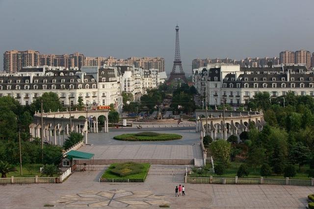 Bản sao các thành phố nổi tiếng thế giới trông như thế nào trên đất nước Trung Quốc? - 8