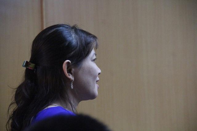 Bị cáo Lê Thị Cẩm Vân được xác định là người đầu vụ án nhưng được tại ngoại.