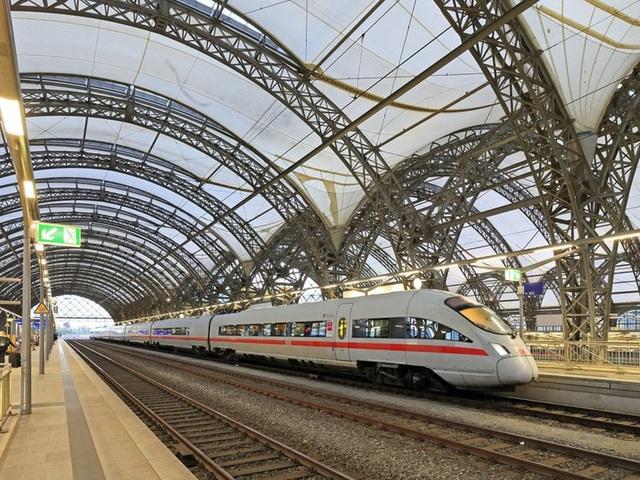 10 chuyến tàu tốc hành nhanh nhất thế giới - 7