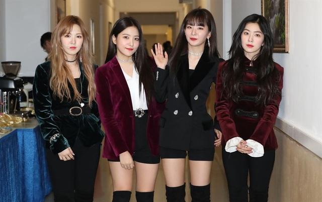4 thành viên ban nhạc Red Velvet biểu diễn tại Bình Nhưỡng. (Ảnh: Korea Times)