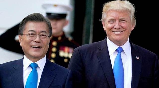 Tổng thống Hàn Quốc Moon Jae-in và Tổng thống Mỹ Donald Trump (Ảnh: Reuters)