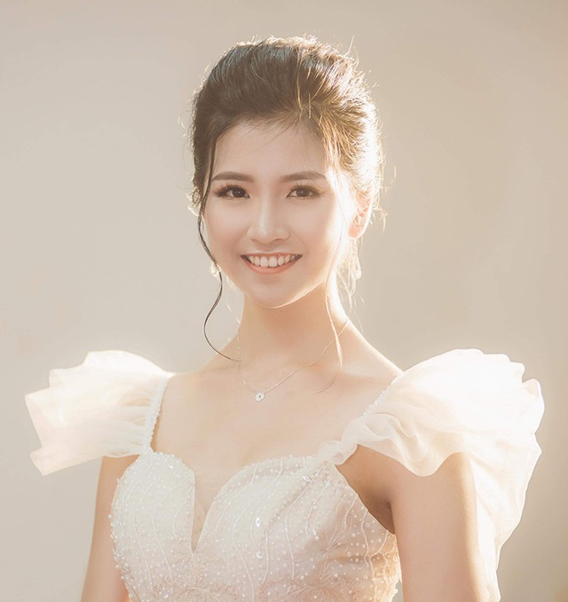 Ngoài bóng rổ, Kiều Anh còn thích hát, nhảy múa, xem phim, du lịch, xem phim, đọc tiểu thuyết. Cô có sở trường là ngoại ngữ và vẽ.