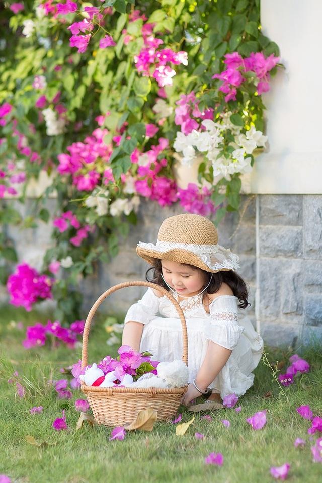 """Ngày nắng đẹp bên giàn hoa giấy của """"thiên thần nhí"""" Mimi - 11"""