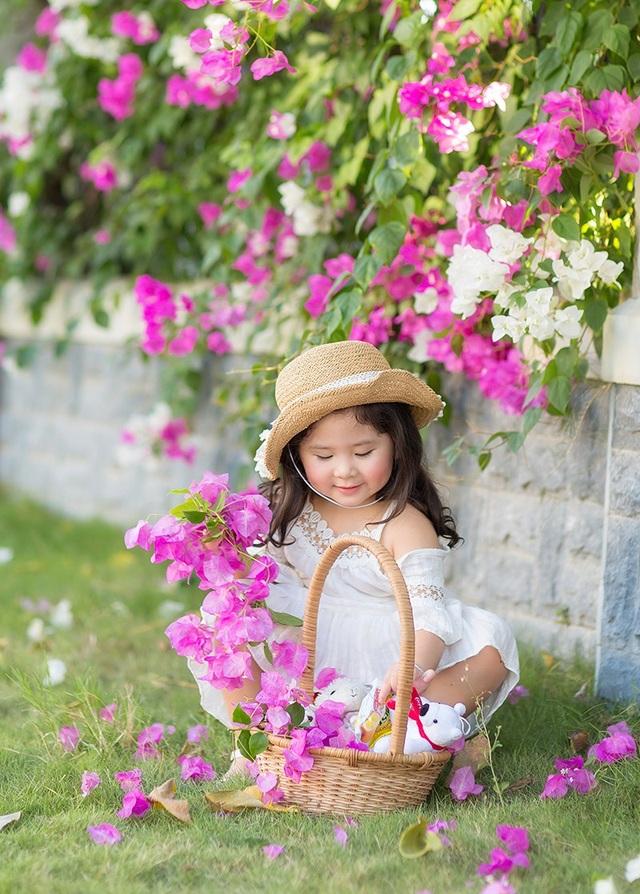 """Ngày nắng đẹp bên giàn hoa giấy của """"thiên thần nhí"""" Mimi - 10"""