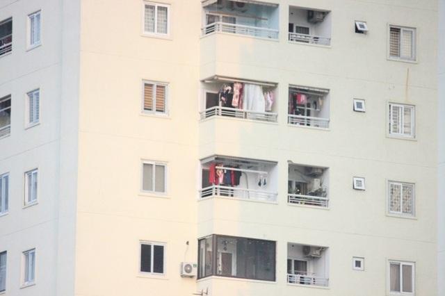Hàng chục hộ dân vẫn vào ở khi hai tòa nhà của chung cư Tecco chưa bàn giao và khuyết PCCC.