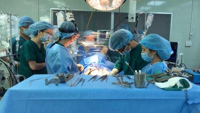 Cuộc phẫu thuật nhận tạng và ghép tạng đã được 2 bệnh viện phối hợp nhịp nhàng