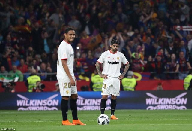 Nỗi buồn của Sevilla, họ lép vế hoàn toàn trước Barcelona quá mạnh