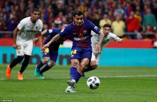 Tình huống Coutinho đá phạt đền thành công, giúp Barcelona nâng tỷ số lên 5-0 ở phút 69