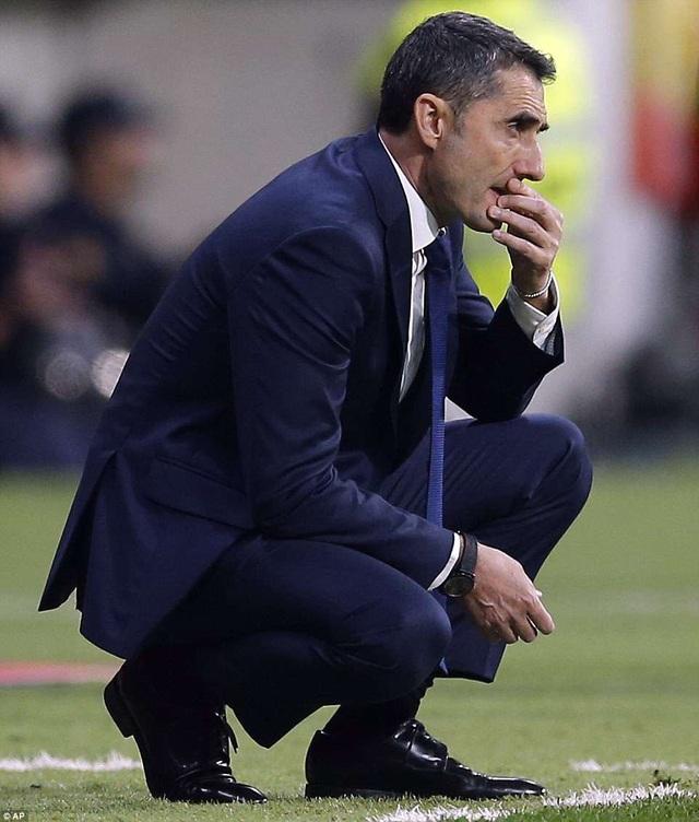 HLV Valverde đã có danh hiệu cao quý trong mùa giải đầu tiên dẫn dắt Barcelona