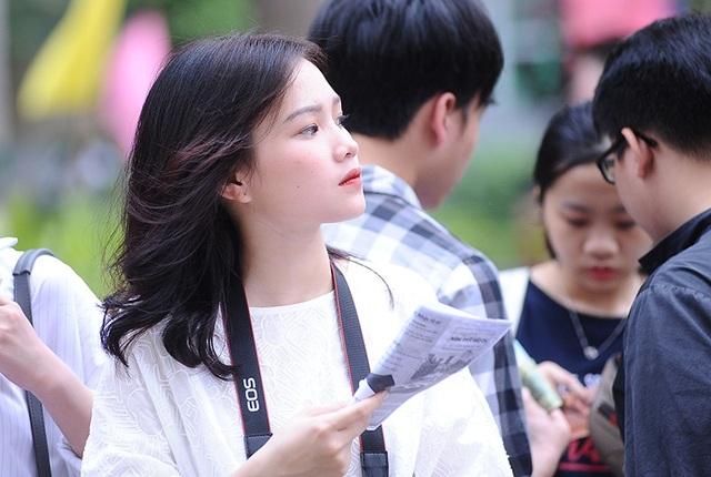 Trường Báo nổi danh là nơi sản sinh ra nhiều người đẹp, như là Hoa hậu Việt Nam Nguyễn Thị Huyền, Á hậu Tú Anh.