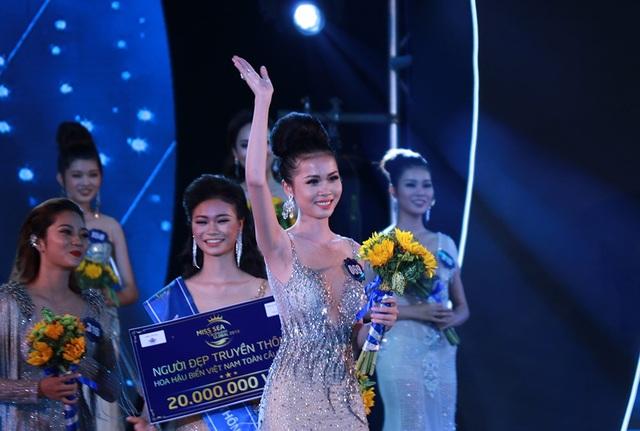 Câu trả lời có phần lúng túng nhưng vẫn đem về cho Nguyễn Thị Kim Ngọc ngôi vị Hoa hậu Biển Việt Nam Toàn cầu với số tiền thưởng 500 triệu đồng.