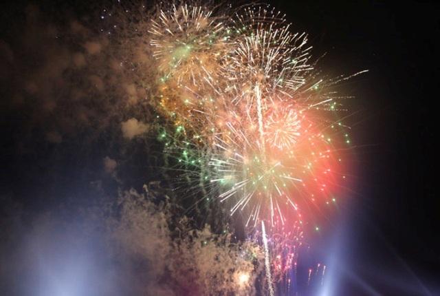 Hàng vạn du khách dự lễ hội du lịch biển Sầm Sơn năm 2018 - 7