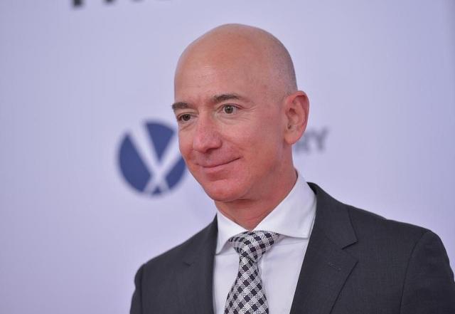 Sau khi công bố bức thư cổ đông thường niên, tỷ phú Jeff Bezos bỏ túi thêm 7,7 tỷ USD. (Nguồn: Forbes)