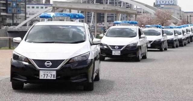 22 chiếc Leaf chạy hoàn toàn bằng điện đã được bàn giao cho lực lượng cảnh sát thành phố Fukuoka, thủ phủ của tỉnh Fukuoka ở phía Bắc Nhật Bản vào đầu tháng 4.