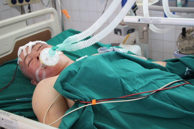 Chị Thu vừa mới được mổ sọ não đang điều trị ở phòng cách ly