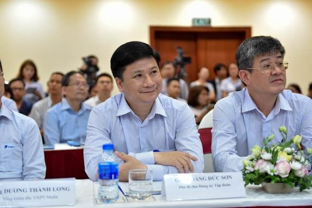 Các đại diện VNPT tham dự buổi họp báo Phát động Giải thưởng Nhân tài Đất Việt.