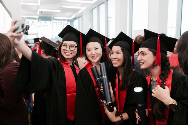 Học viên CFVG nhận bằng Thạc sỹ tại trường Kinh doanh Audencia – Pháp