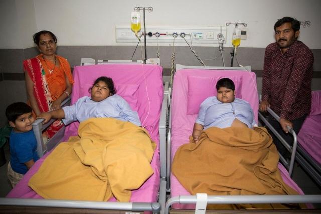 Hai chị em được chẩn đoán nếu không phẫu thuật sớm thì sẽ gặp nguy hiểm tới tính mạng
