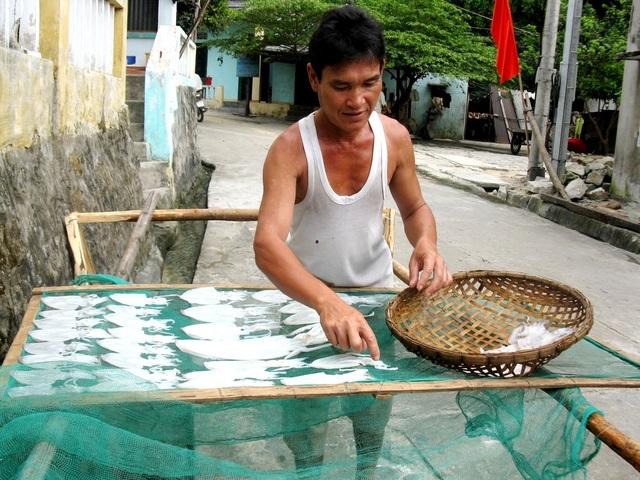 Ra Cù Lao Chàm, nhất định du khách phải thưởng thức món mực một nắng nướng ăn ngon không thể tả