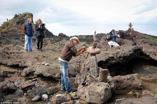 Năm nay, cuộc thi đã ở vào lần tổ chức thứ hai, cả hai năm đều diễn ra tại thị trấn miền biển Dunbar (Scotland).