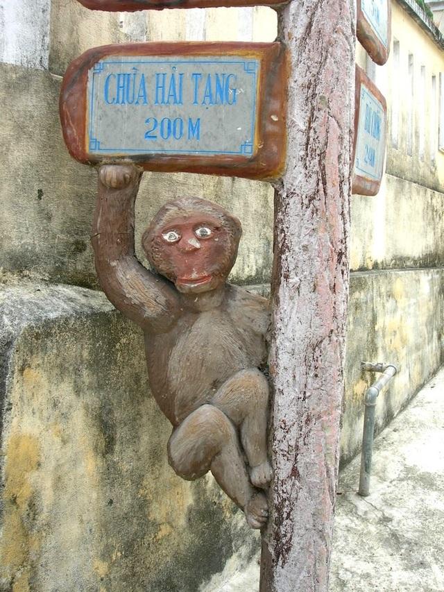 Biển hướng dẫn các địa điểm du lịch rất ngộ nghĩnh ở Cù Lao Chàm