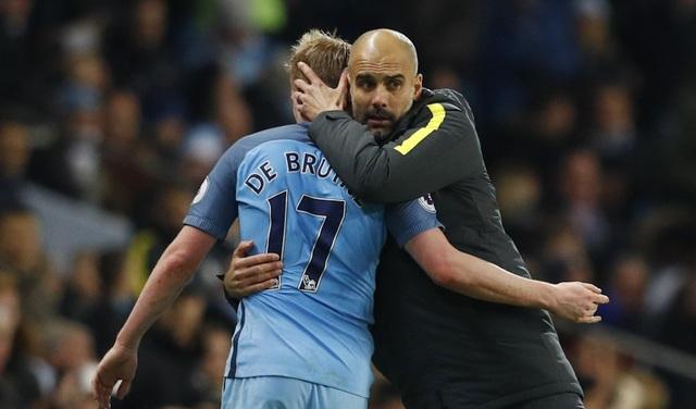 Pep Guardiola cho rằng De Bruyne xứng đáng được vinh danh ở giải Cầu thủ xuất sắc nhất Premier League