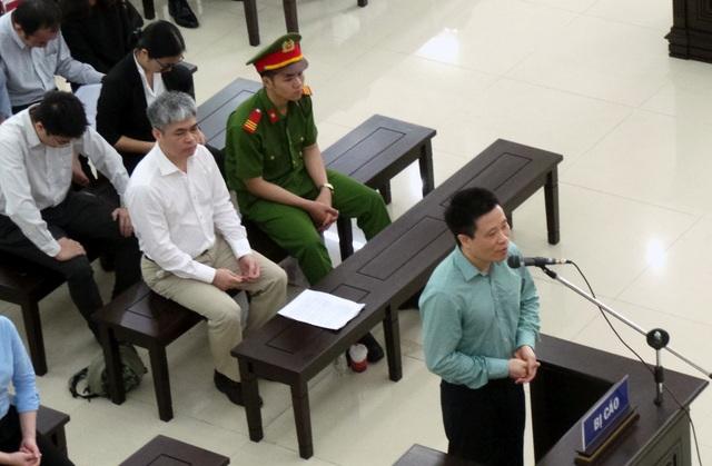 Cựu Chủ tịch Oceanbank Hà Văn Thắm tại tòa ngày 23/4.