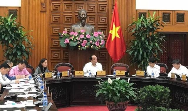 Bộ trưởng - Chủ nhiệm Văn phòng Chính phủ Mai Tiến Dũng chủ trì cuộc họp